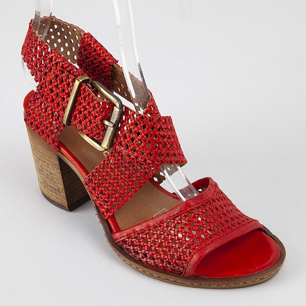 collection-chaussures-pe-19/caneleto-rouge-3