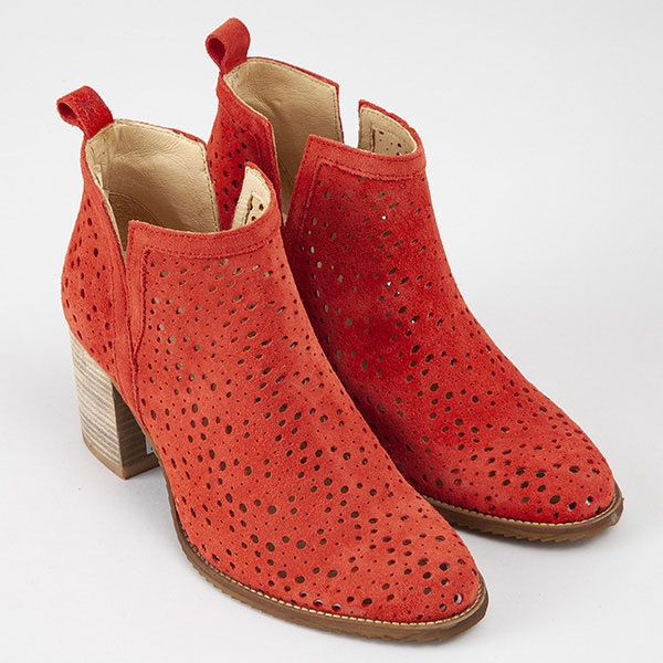 collection-chaussures-pe-19/mucem-rouge-4